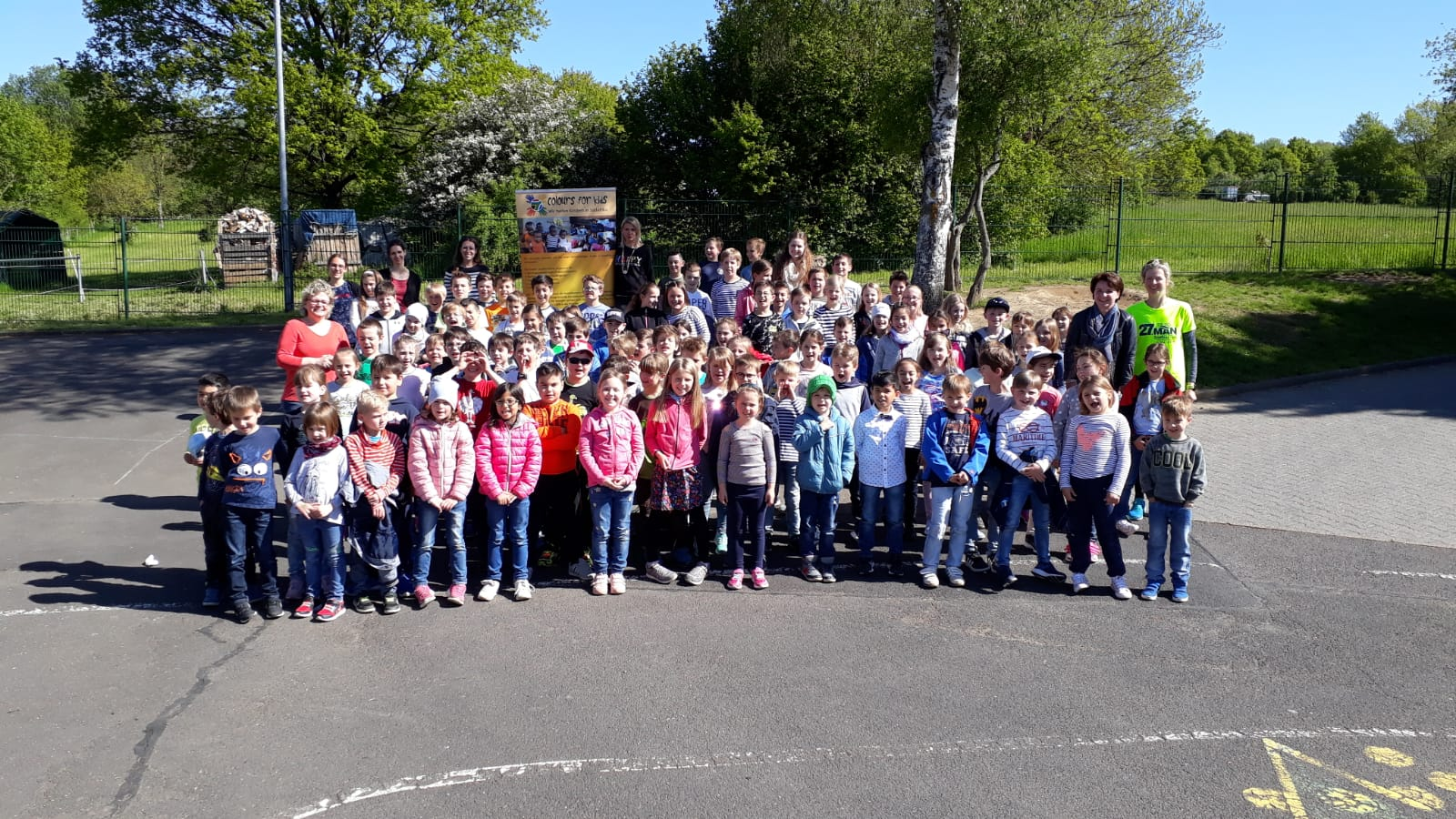 Grundschule Ruppach-Goldhausen spendet